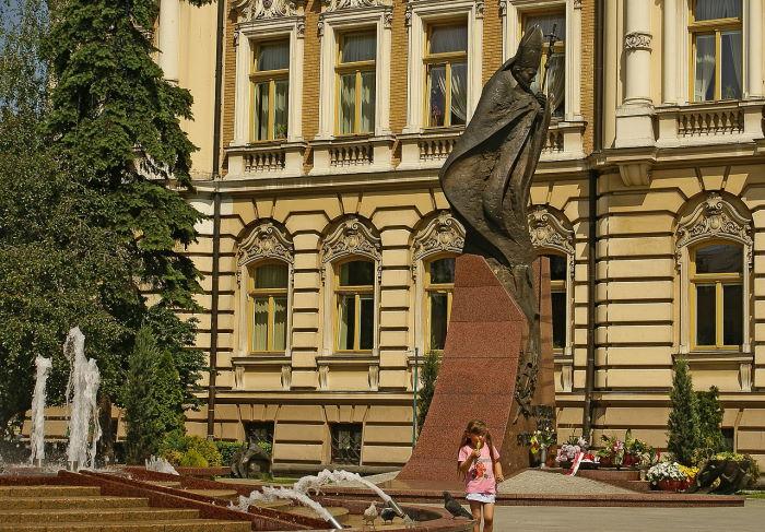 Powiat Nowy Sącz: Popada i zagrzmi, możliwe gradobicie