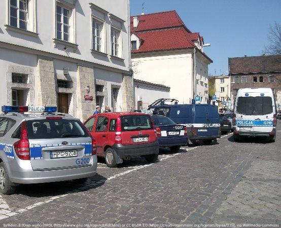 Policja Nowy Sącz: Ponad 4 tysiące małopolskich policjantów zaszczepiło się przeciw COVID-19